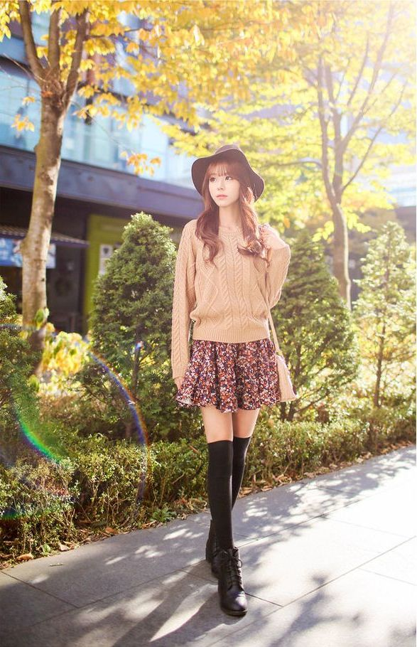 How to Wear Boots and Shorts For Women 2021