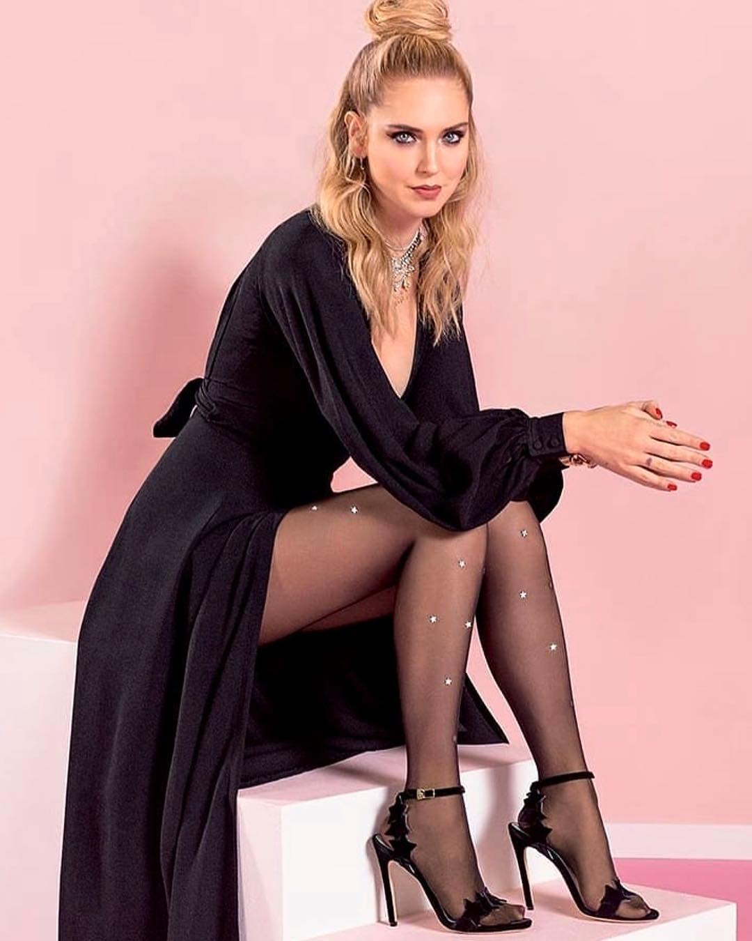 Chiara Ferragni Wearing Bell Sleeve Dress And Half-Up Half-Down Knot 2021