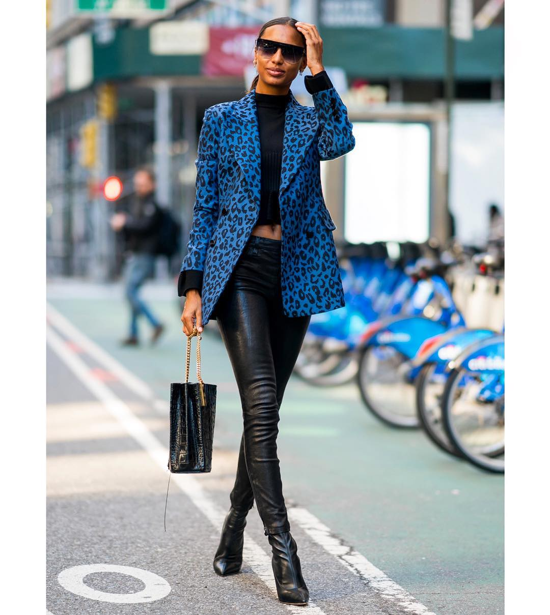 Jasmine Tookes In Leopard Print Blazer And Black Leather Pants 2019