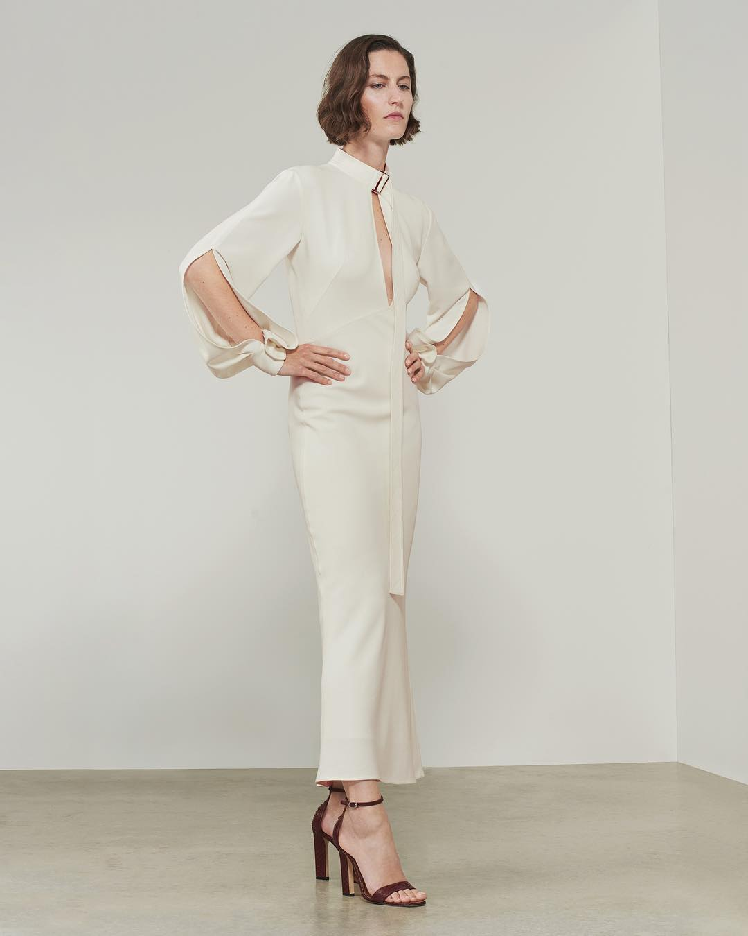 Open Sleeve Midi Dress In White By Victoria Beckham 2021