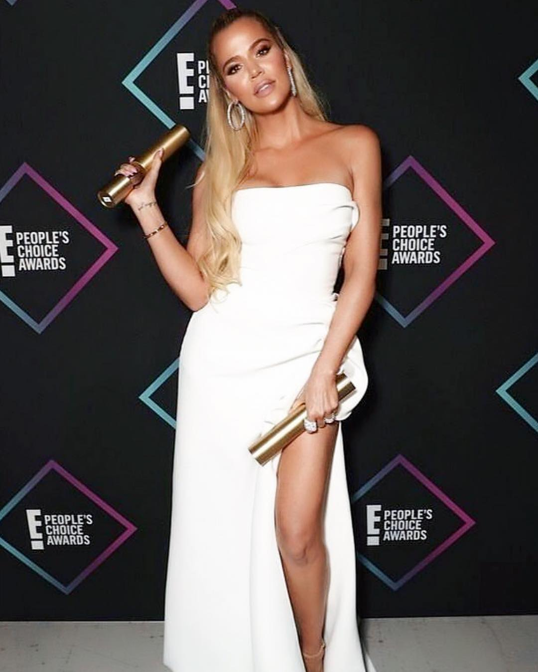 Khloé Kardashian Wearing Strapless Maxi Dress At Peoples Choice Awards 2019