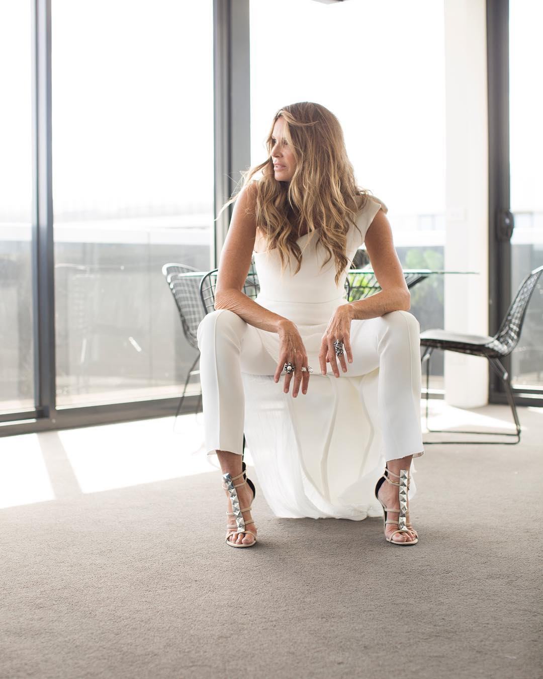 Elle Macpherson In All White Look 2019