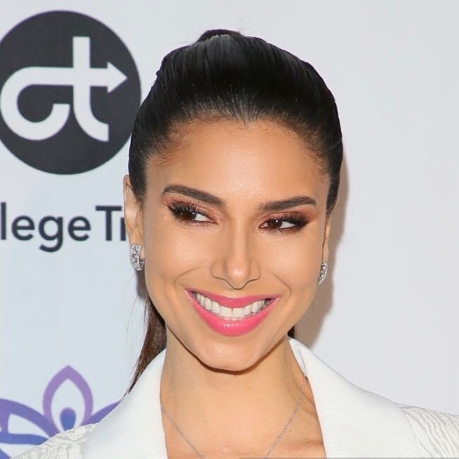 Roselyn Sanchez With Sleek Ponytail Wearing White Pantsuit 2020