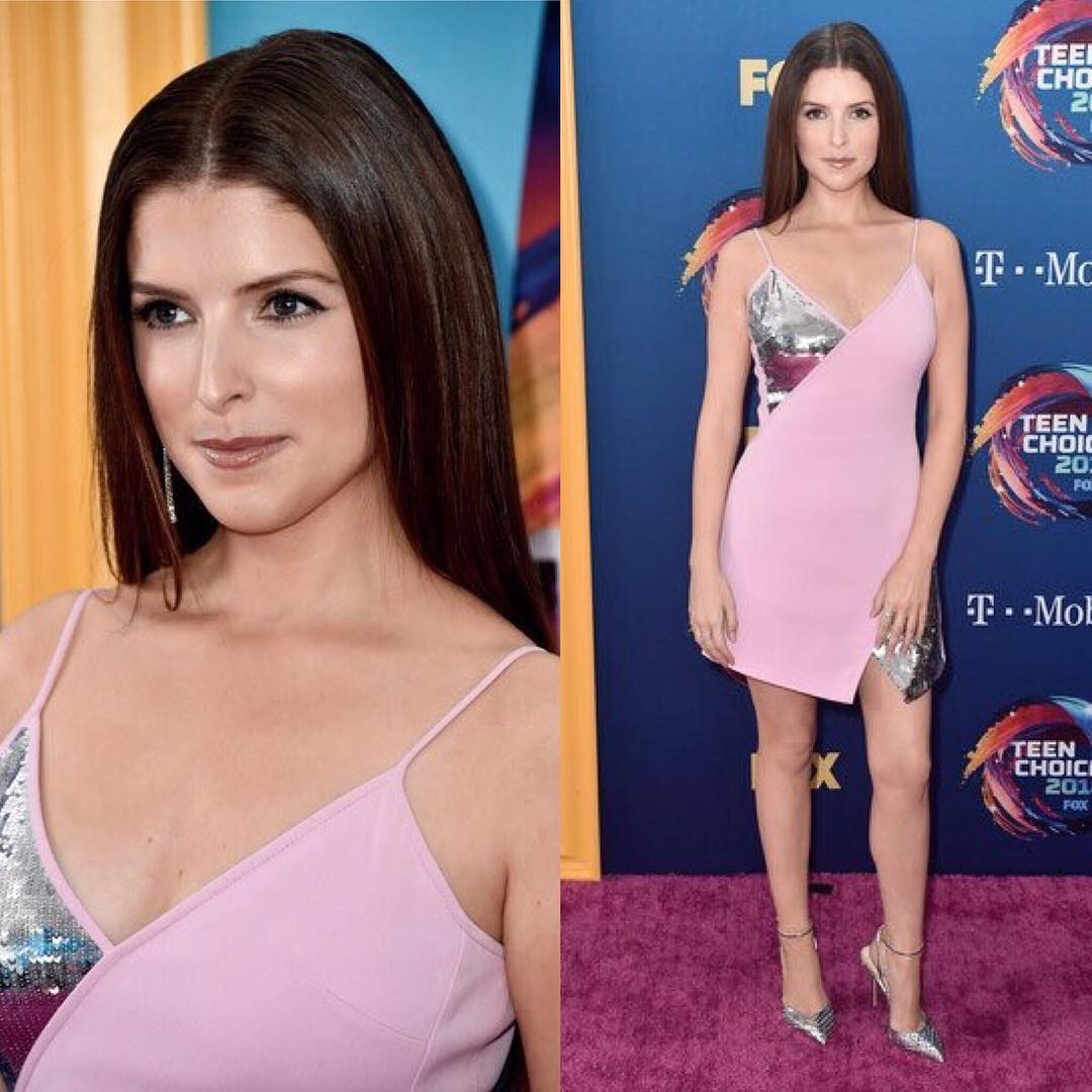 Blush Silver Dress On Anna Kendrick At Teen Choice 2019
