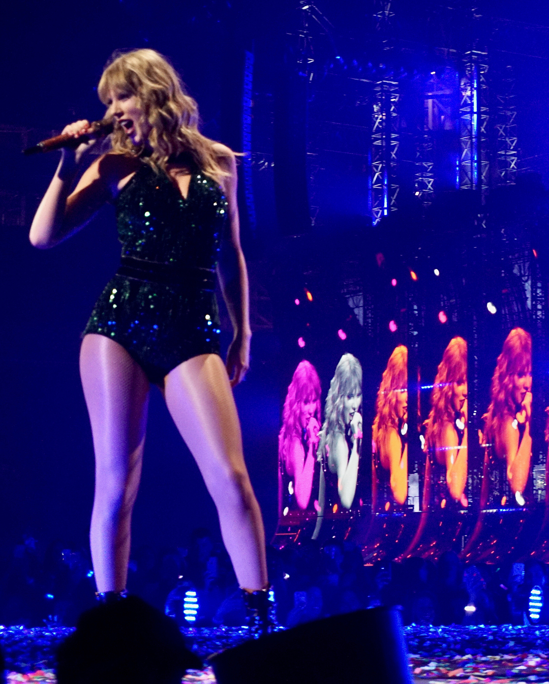 Taylor Swift Performs In Minneapolis 2019