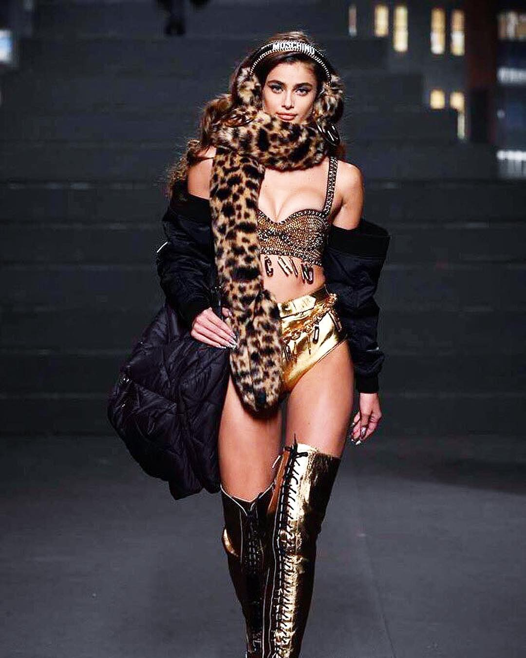 Taylor Hill Wearing Moschino Outfit 2020