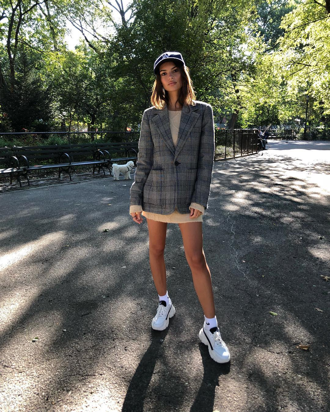 Emily Ratajkowski In Blazer, Sweater Dress And White Sneakers 2020
