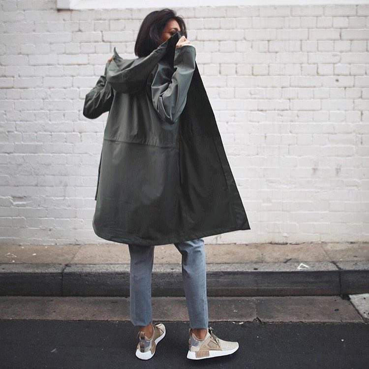 Day Look: Khaki Green Hooded Parka Jacket With Grey Jeans And Sneakers 2019