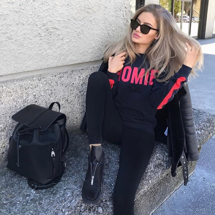 All Black Outfit Idea For Autumn 2019