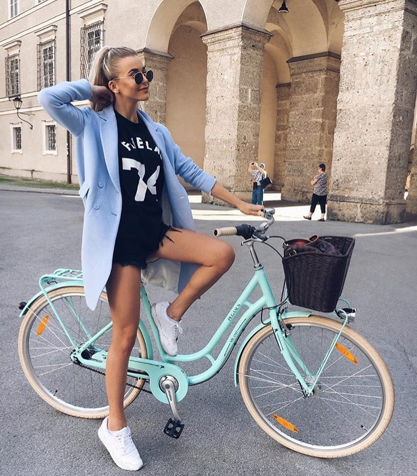 Outfits For Bicycle Rides: Simple Outfit Idea To Make A Wow Impression 2019