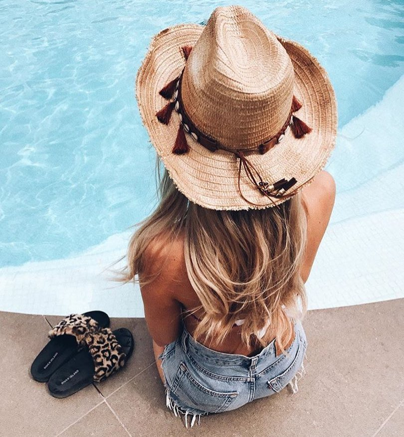 Beach And Poolside Essentials: Straw Hat, Denim Shorts And Slides 2021
