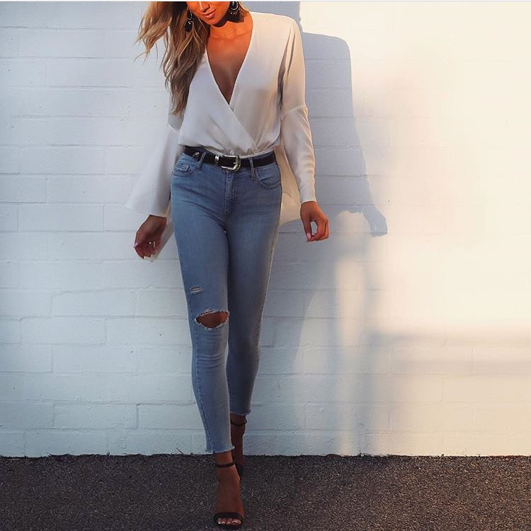 A Perfect Summer Outfit: White Wrap Bodysuit And Skinny Jeans 2019
