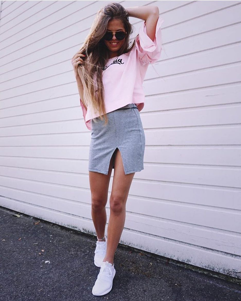 Summer Day Look: Pink Oversized Shirt, Grey Mini Skirt And White Sneakers 2019