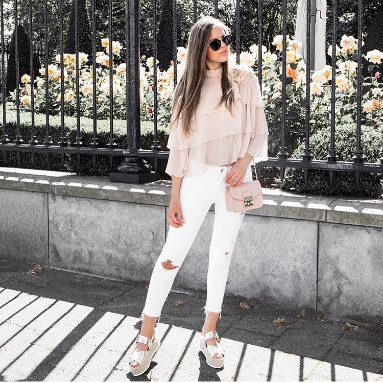 How To Wear White Jeans In Spring 2019 - StyleFavourite com