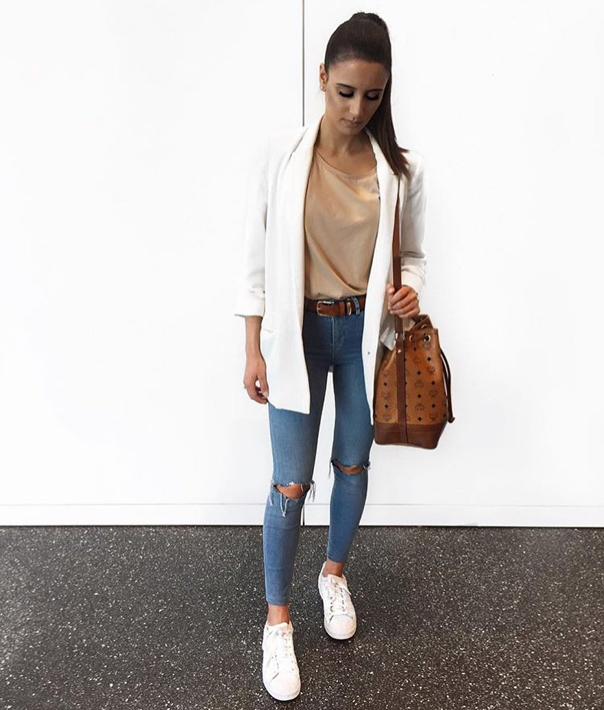 How To Make Ripped Jeans Look Smart-Casual 2020