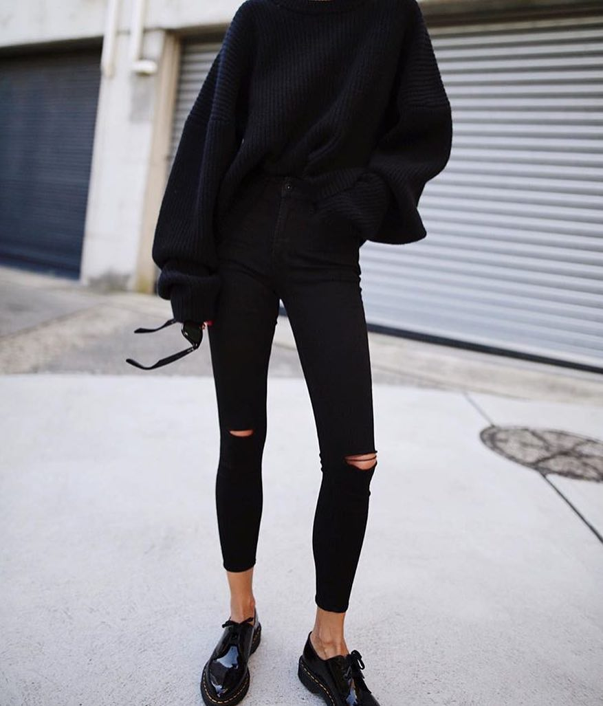 How To Make All Black Outfit Look Modern And Chic 2020