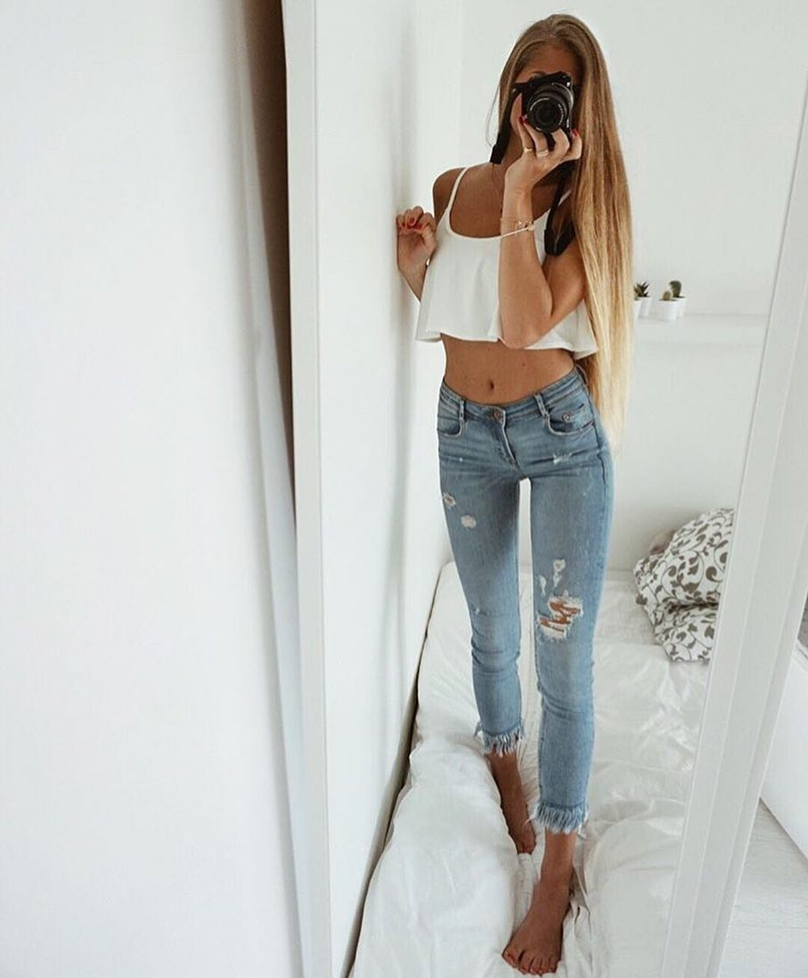 How To Make White Flared Crop Tops Look Hot 2019