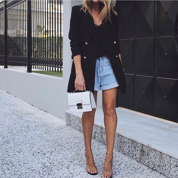 Casual Outfit Idea With Black Long Blazer 2020