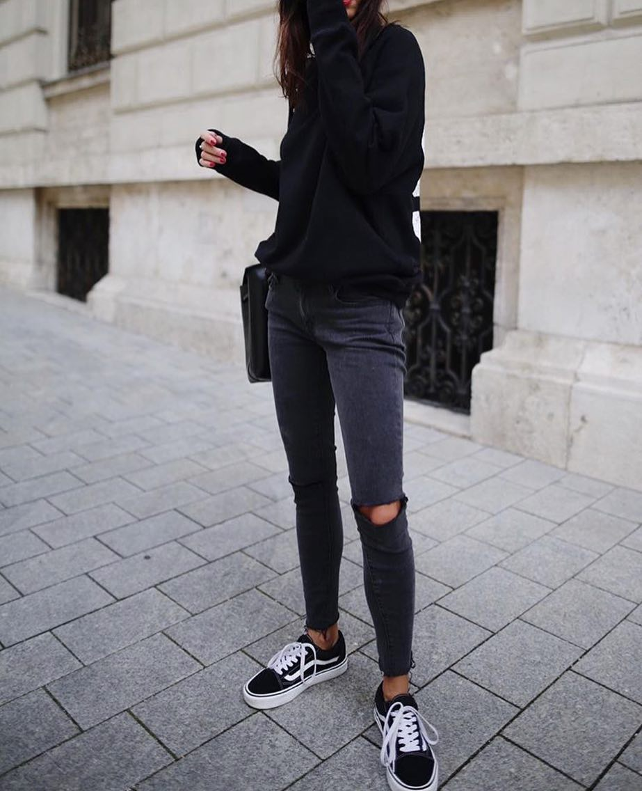 Casual All In Black Outfit Idea 2020
