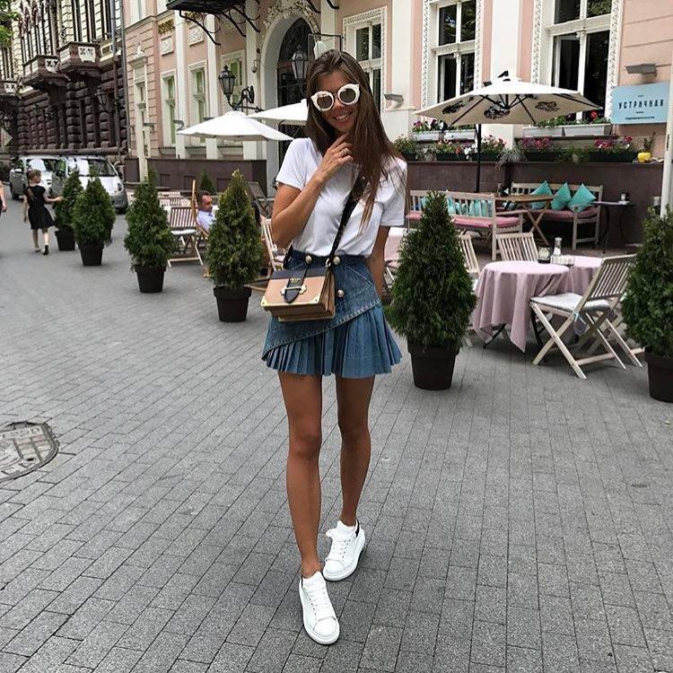 How To Wear Pleated Mini Denim Skirt 2019