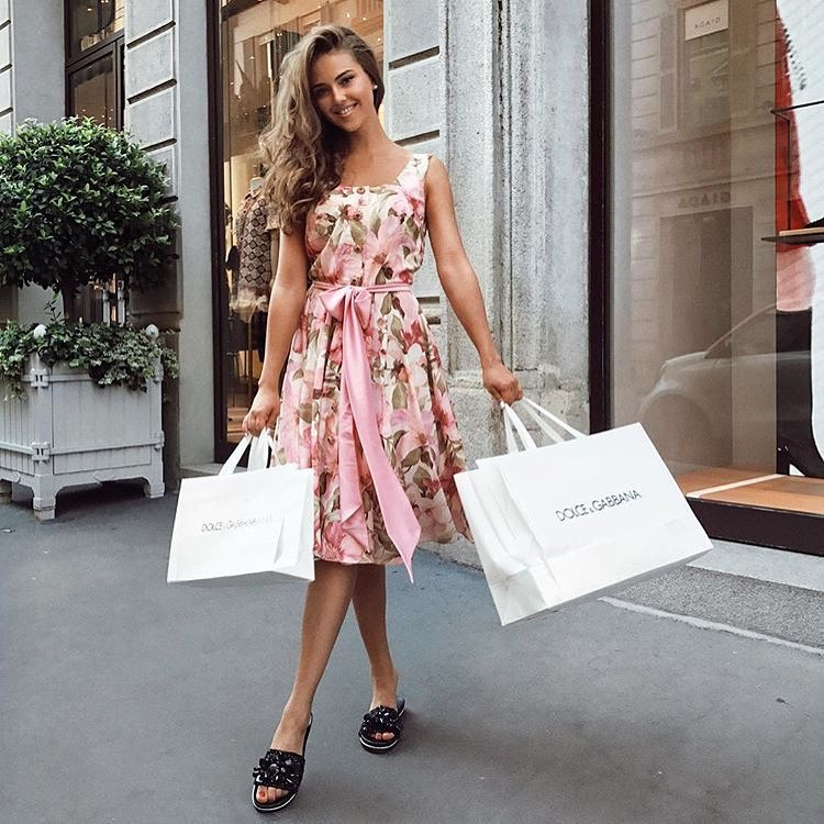 How To Wear Sleeveless Pink Floral Dress This Summer 2020