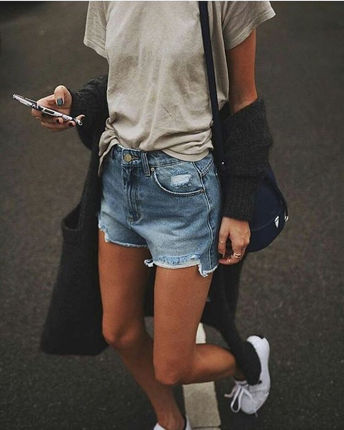 How To Wear Charcoal Cardigan With Simple Top, Denim Shorts And White Kicks 2019
