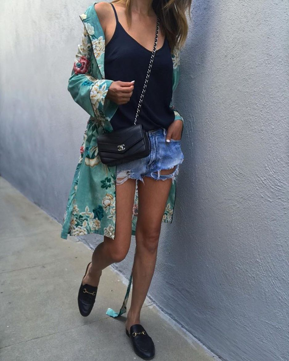 How To Wear Light Green Floral Kimono With Black Top And Ripped Cut Offs 2020
