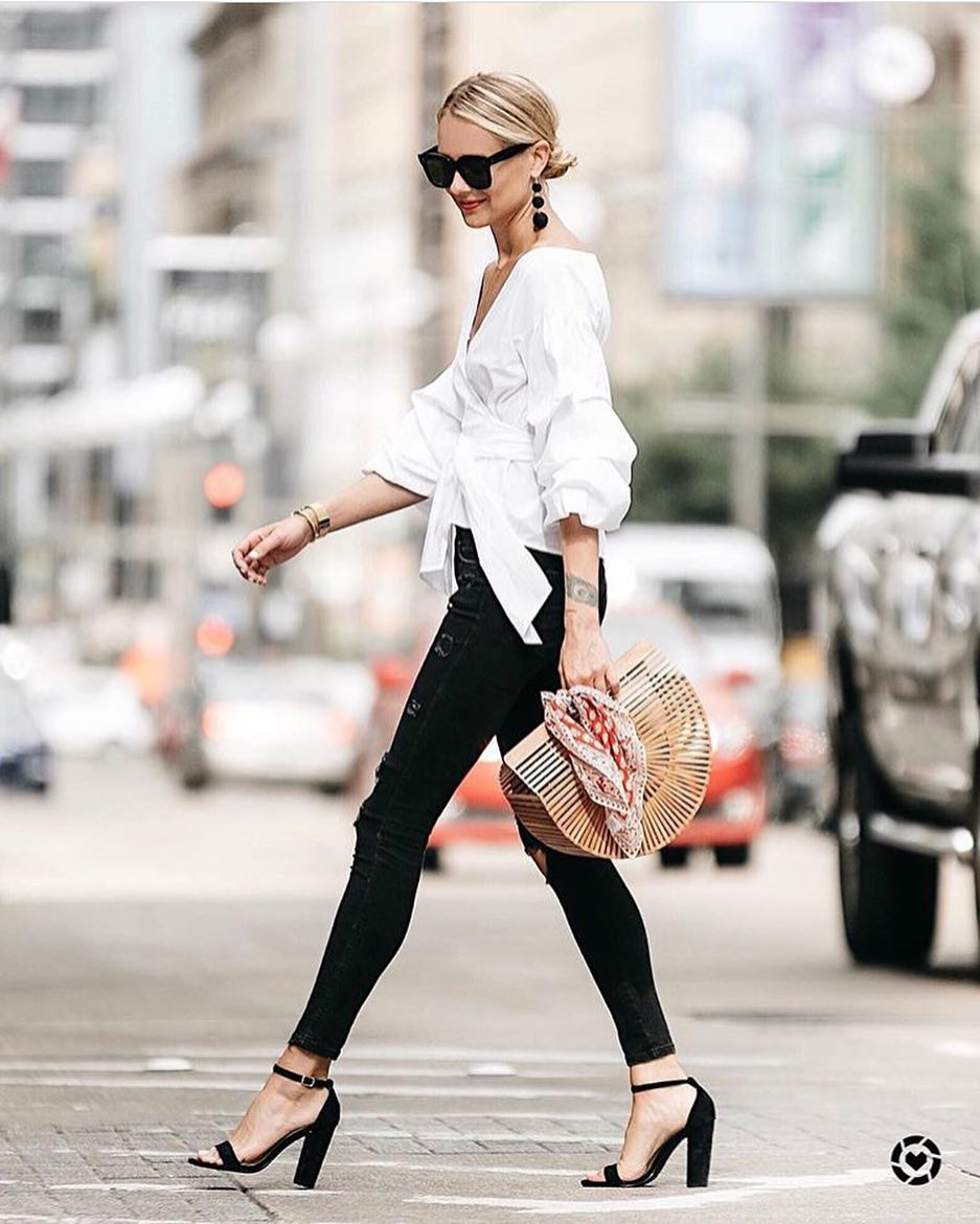 How To Wear White Belted Collarless Blouse With Black Skinnies And Black Heels 2019