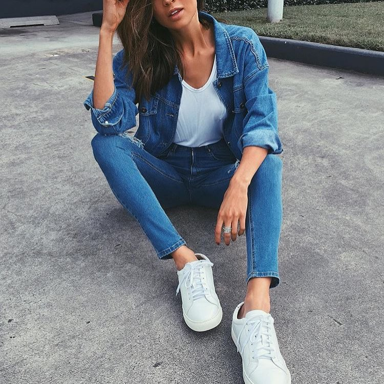 Light Blue Double Denim Outfit And White Sneakers 2019
