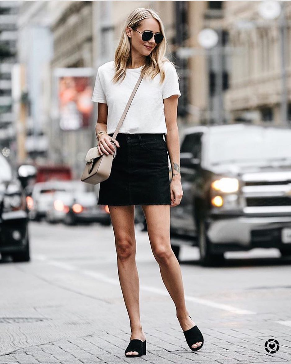 How To Wear Black Slides With A Black Denim Skirt And White T-Shirt 2021