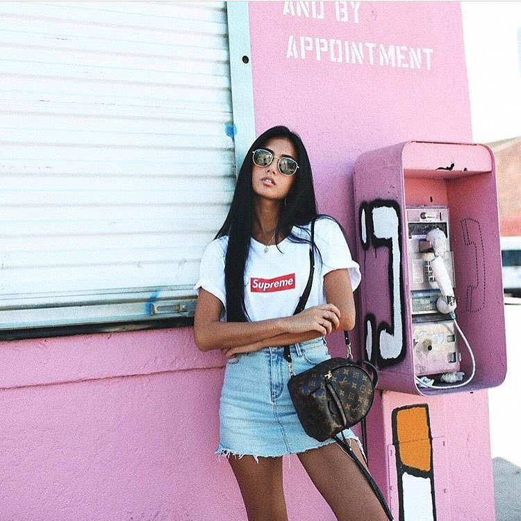 Best Way To Wear Backpack With White T-Shirt And Denim Skirt 2019