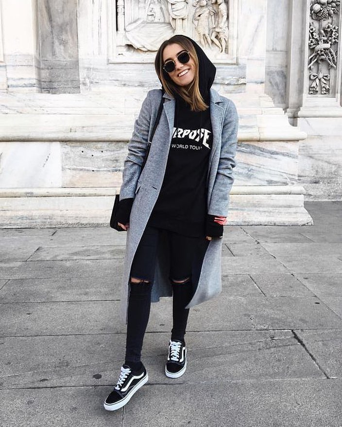 How To Wear Grey Wool Coat With Black Hoodie, Balck Knee Ripped Jeans And Trainers 2019