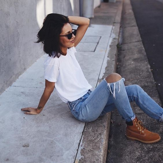 Urban Casual Basics: White Tee, Blue Jeans And Timberland Boots 2019