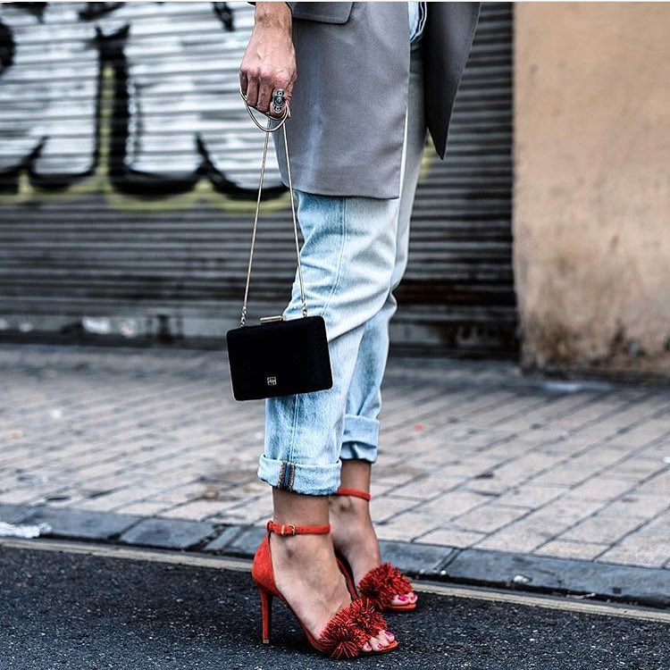 How To Wear Red Heeled Sandals With Cuffed Light Blue Jeans 2020