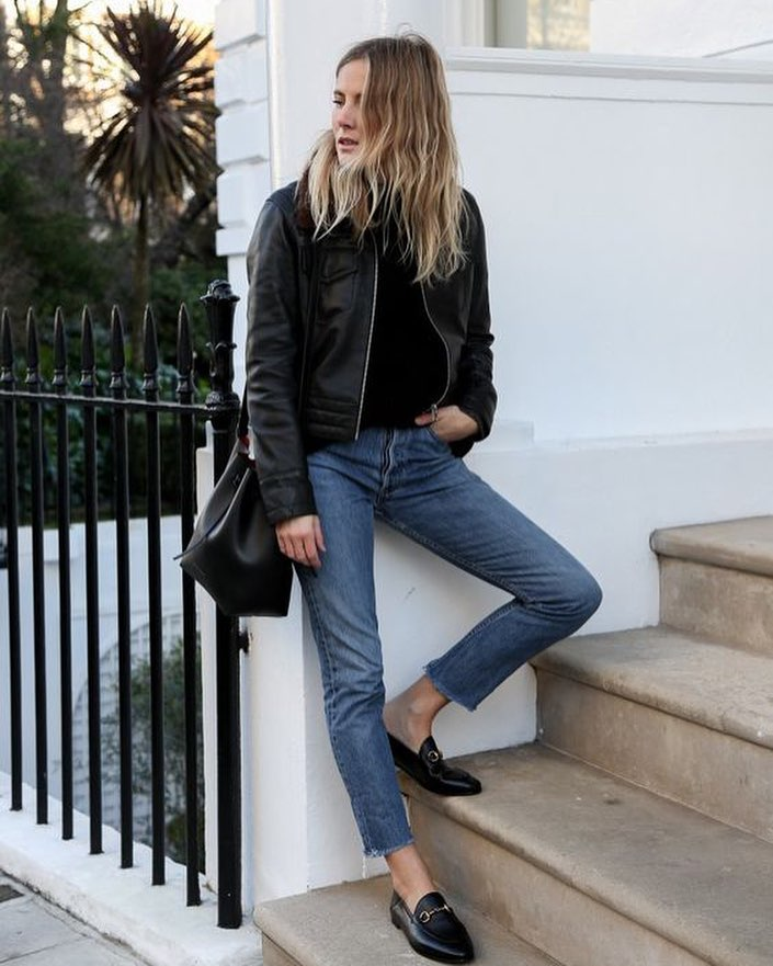 Edgy Tomboy Look: Black Loafers, Ankle Jeans, Black Sweater And Black Leather Jacket 2020