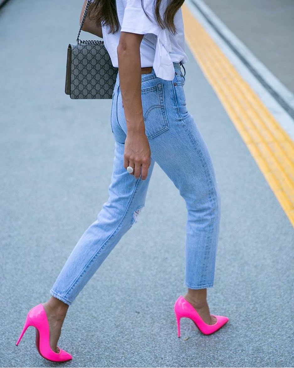 How To Style Hot Pink Heels With High Rise Blue Jeans And White Tee 2019