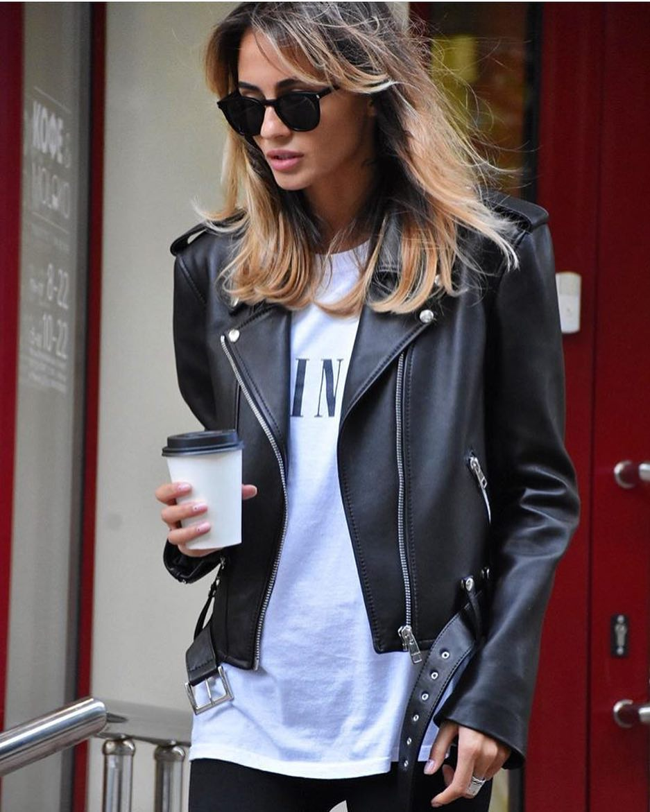 How To Wear Wayfarers With Black Leather Jacket And White T-Shirt 2020