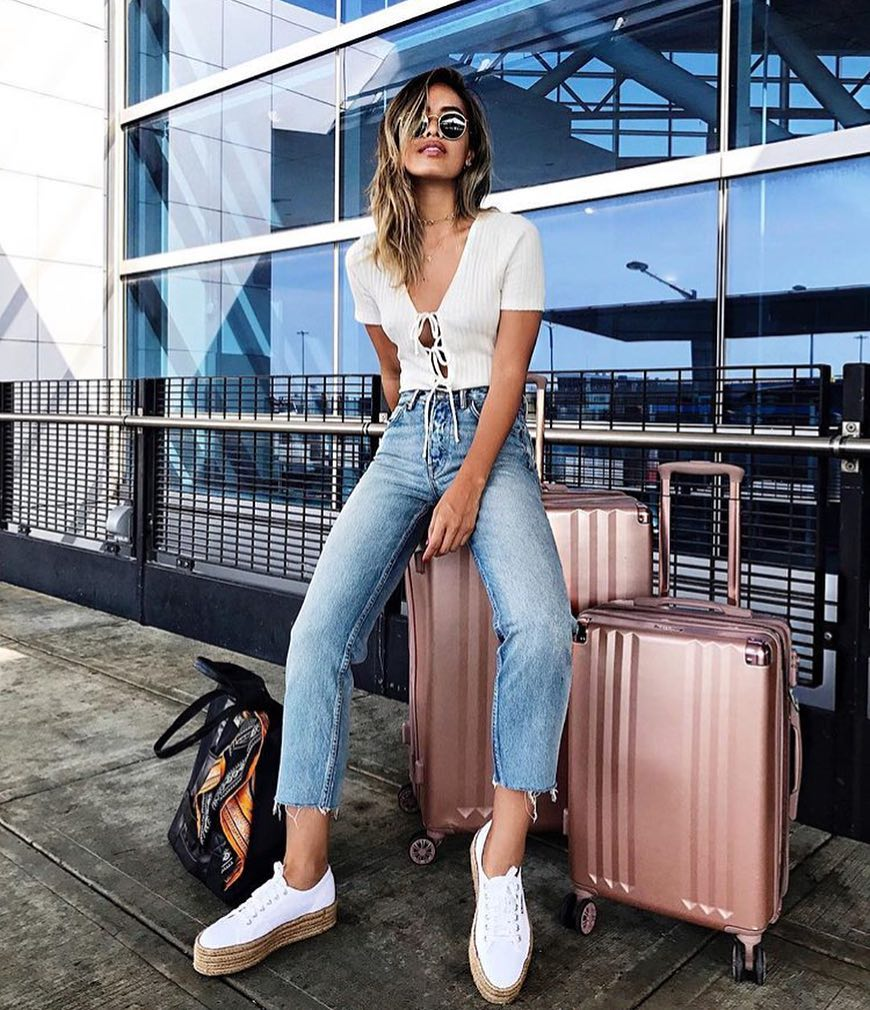 Airport Relaxed Casual Outfit: White Knitted Lace-up T-Shirt, Cropped Jeans And White Espadrille Trainers 2019