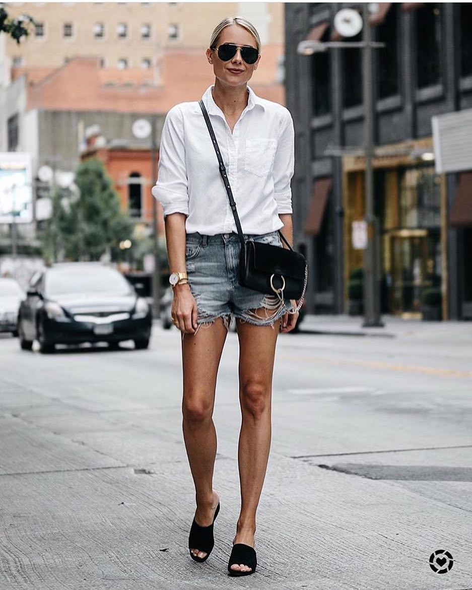 How To Style Black Slides With White Shirt, Ripped Denim Shorts And Aviator Sunglasses 2019