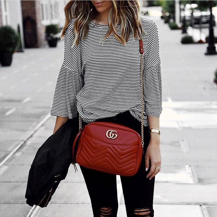How To Wear Short Flared Sleeve Striped Top With Black Knee Ripped Skinnies 2019