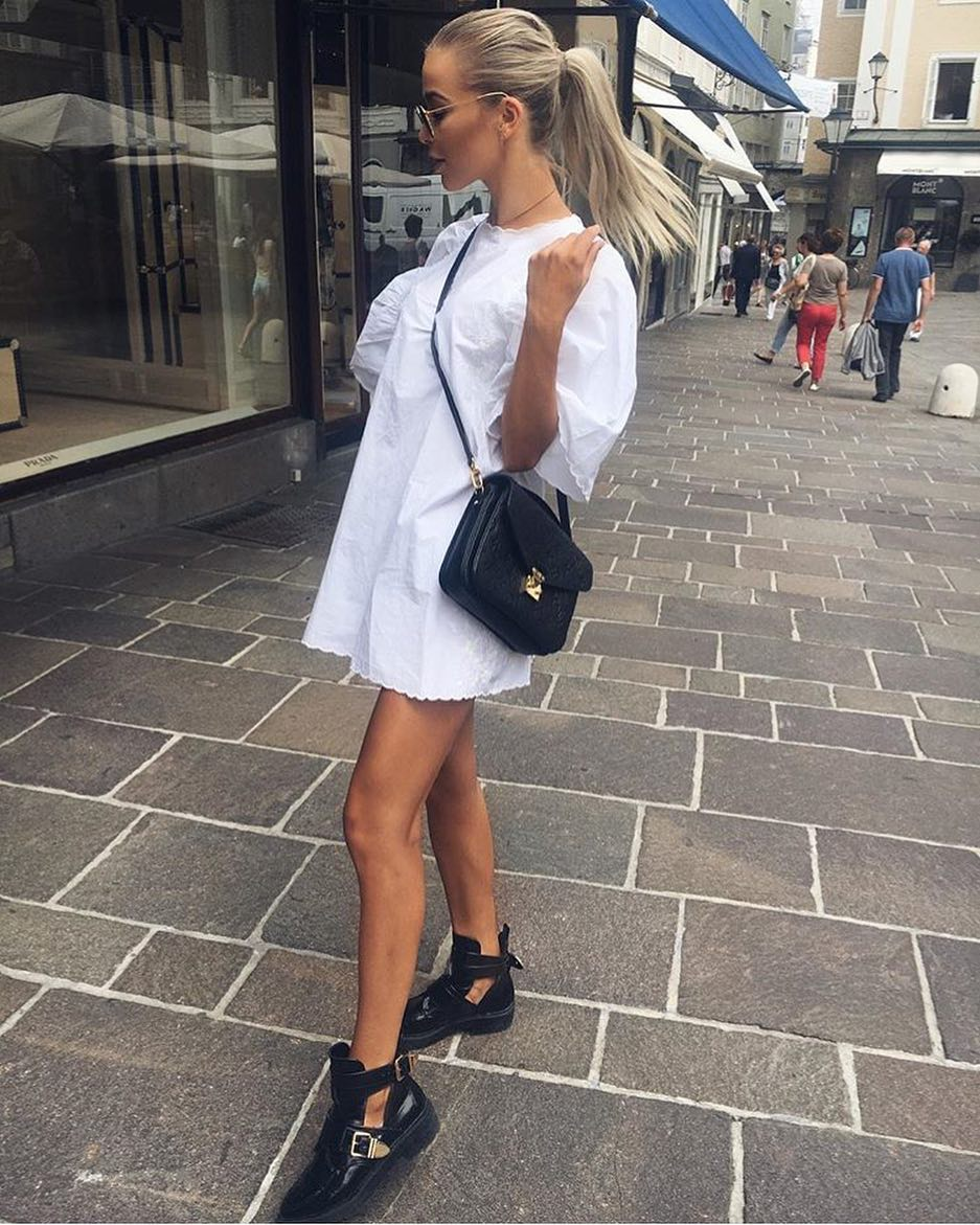 How To Style White Oversized Shift Dress With Cut-Out Ankle Boots In Black 2019