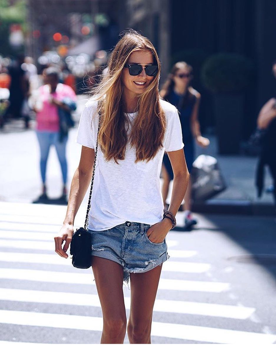 Summer Casual Outfit: White T-Shirt And Blue Denim Shorts 2020