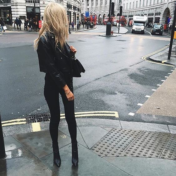 All Black Outfit Idea For Fall Season: Black Leather Jacket, Skinnies And Boots 2019