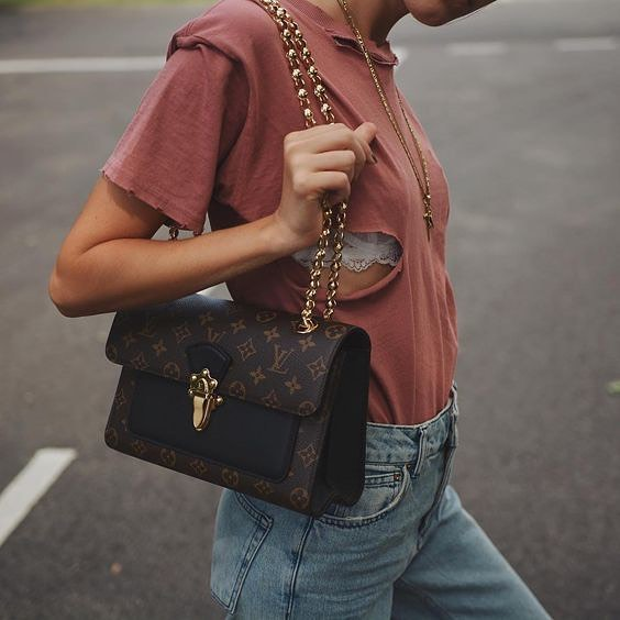 How To Style Faded Maroon T-Shirt With Blue Jeans And Louis Vuitton Shoulder Bag 2020