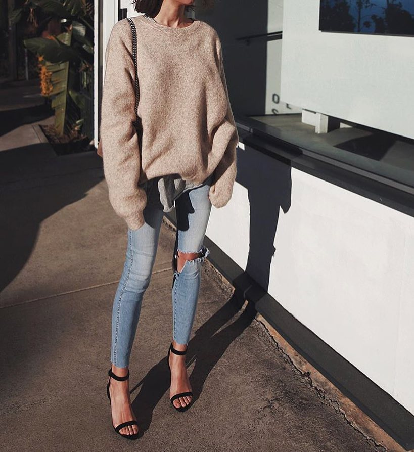 Autumn Basics: Oversized Sweater With Ripped Skinny Jeans And Black Heeled Sandals 2020