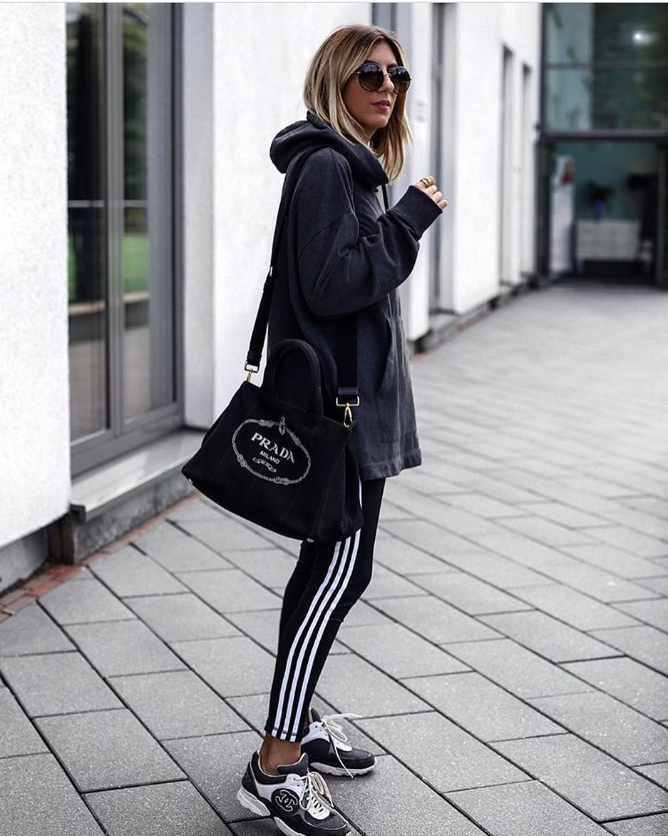 Sporty Hipster: Oversized Hoodie, Track Pants And Sneakers 2019