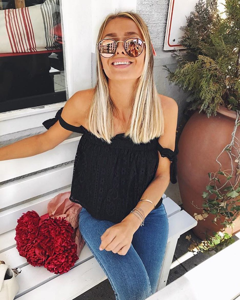Summer Must Haves: Oversized Mirrored Rounded Sunglasses, Black Lace Top And Skinnies 2020