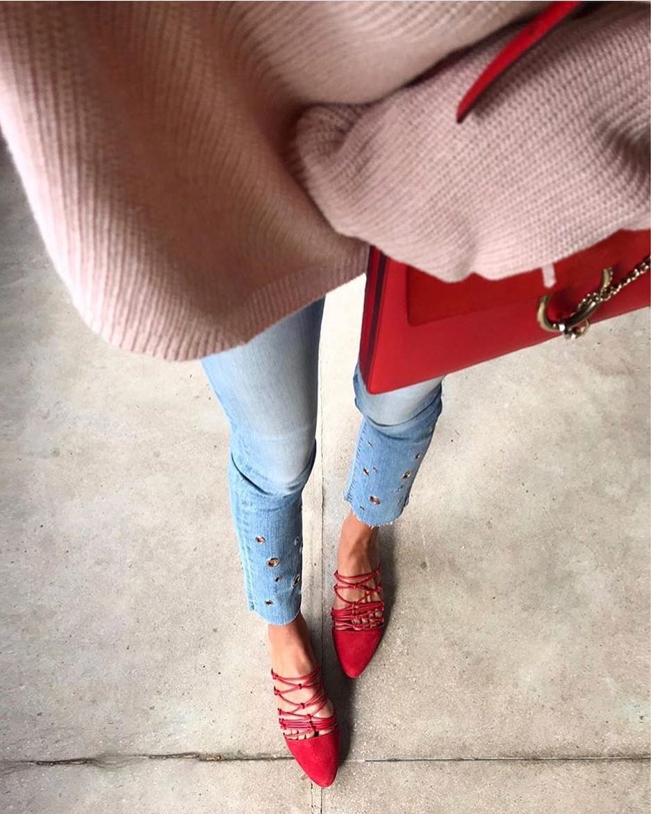 How To Wear Grommet Jeans And Red Strappy Flat Mules 2020
