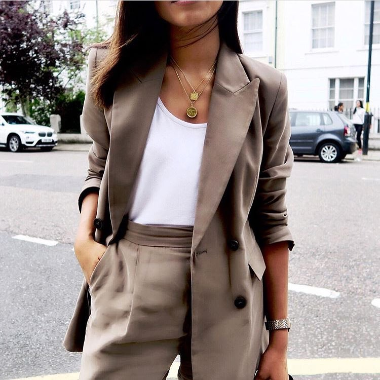 How To Wear White Tee With A Beige Pantsuit 2021