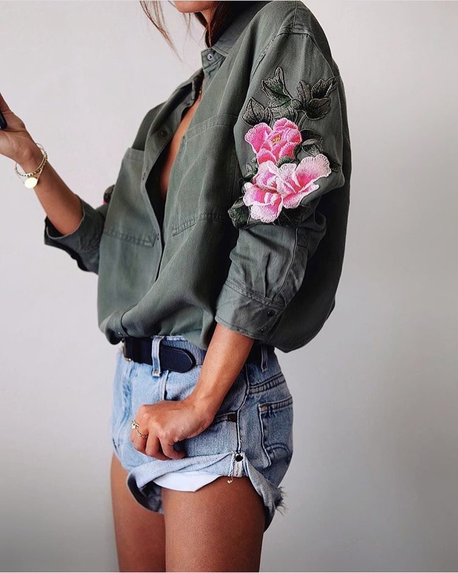 How To Wear Army Green Shirt With Floral Patch And Denim Cut-Offs 2020